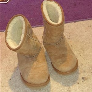 Brown Ugg's with some wear